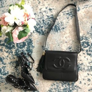 Beautiful Chanel shoulder purse
